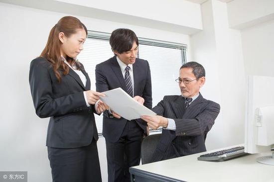 MBA复试大作战:如何应对面试导师的施压